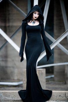 Model/MUA: TheBlackMetalBarbie Photo: Luke Guinn Photography Dress: Punkrave HERE Welcome to Gothic and Amazing | www.gothicandamazing.com