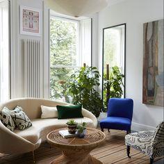Contemporary Living Room in London, GB by Beata Heuman Ltd Contemporary Interior Design, Home Interior Design, Contemporary Furniture, Contemporary Apartment, Modern Contemporary, Contemporary Building, Contemporary Cottage, Contemporary Chandelier, Contemporary Landscape