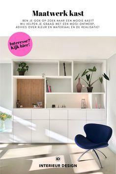 Ben je ook op zoek naar een mooie kast? Wij helpen je graag met een ontwerp, advies over de kleur en materiaal én de realisatie! Interesse? Bekijk hier de mogelijkheden en laat je inspireren door ons werk! • interieur design, interieurdesign, maatwerk kast, maatwerk kast woonkamer, maatwerk kastenwand, kast woonkamer, kastenwand woonkamer, kast ontwerpen, kast op maat woonkamer, kast op maat woonkamer wit, kast op maat woonkamer modern, wandkast woonkamer op maat, wandkast woonkamer op maat wit Home And Deco, Sweet Home, New Homes, Cabinet, Mansions, Living Room, Bedroom, Storage, House