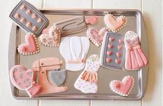 Sunday, August 2016 Day 227 You need to check out all the cookie creations by Her creativity and perfection go hand… Fancy Cookies, Iced Cookies, Cute Cookies, Sugar Cookies, Cupcakes, Cupcake Cookies, Cookie Icing, Royal Icing Cookies, Cooking Cookies