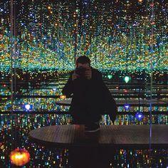 Putas Y Menudo: Infinito habitación con espejos en Nueva York Por Yayoi Kusama