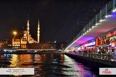 Eminönü ve Karaköy'ü birbirine bağlayan bu köprü, geçmişten günümüze en sık ziyaret edilen yerlerden biri olup,  köprünün alt kısımda  açılan cafeler ve restaurantlar, bu köprüye ilginin artmasına sebep olmuştur. Denizin üstünde yemek yiyip, bir şeyler içmek ve rakı balık ikilisinin keyfine varmak için en ideal mekanlardandır.   #hotel #travel #istanbul #cihangirhotel #eminönü #karaköy