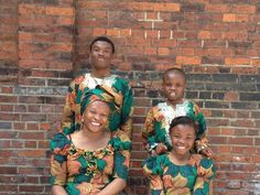 CONNOISSEUR OF STYLE | Claudine and her family in à Hommage a l'Art Wax fabric. | #vlisco #fashion #ankarafashion #africanprintfashion #ankara #africanprint