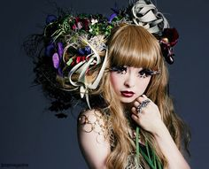 Kyary Pamyu Pamyu <3 I would hate to comb that... XD