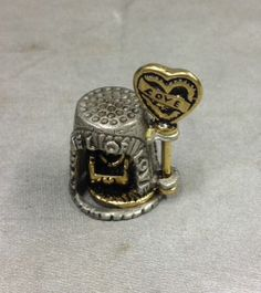 Nicholas Gish Pewter / Gold Tunnel Of Love Thimble