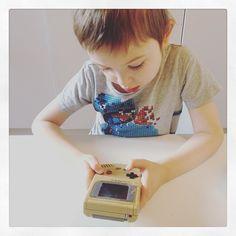 You'd like this one by madebymiadk #gameboy #microhobbit (o) http://ift.tt/1p5Scha prøver kræfter med en  #fradamorvarbarn #retro #90er #virkerstadig #barnaf90erne #kunknapper #ingentouch #loveit #nintendo #oldschool