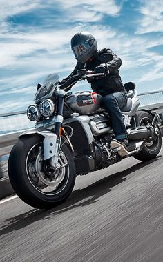 Rider on Triumph Rocket 3 GT in Silver Ice and Storm Grey in action displaying its astonishing performance combined with incredible comfort Triumph Motorcycles, Vintage Motorcycles, Custom Motorcycles, Custom Bikes, Indian Motorcycles, Triumph Rocket, Bobber Motorcycle, Motorcycle Quotes, Girl Motorcycle