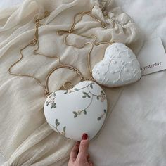 Embroidery Heart shaped clutch for women/girls. It is made of cotton fabric & Polyester. Fashion Bags, Fashion Accessories, Mini Mochila, Mode Kpop, Sacs Design, Embroidery Hearts, Clutches For Women, Accesorios Casual, Cute Purses