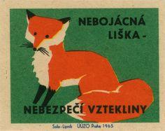 Fox graphic: Czech matchbox label: Unafraid fox - Danger of rabies Vintage Fox, Images Vintage, Vintage Prints, Fox Illustration, Illustrations, Matchbox Art, Vintage Book Covers, Fox Art, Art Graphique