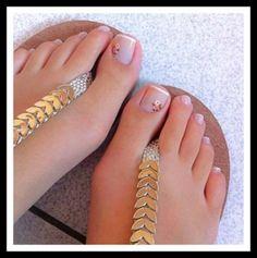 cutest Toe Nail Art Designs For This Summer Simple Toe Nails, Pretty Toe Nails, Cute Toe Nails, Cute Toes, Pretty Toes, Toe Nail Art, French Pedicure, Manicure E Pedicure, Pedicure 2017
