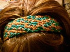 Easy crocheted headband...made with a pony tail holder...came together in about 30 minutes