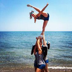 great stunting at the beach #cheerleader #cheerleading #cheer
