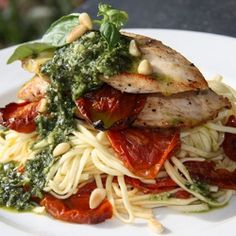 Doesn't this sun-dried tomato, pesto and chicken pasta look wonderfully tempting?