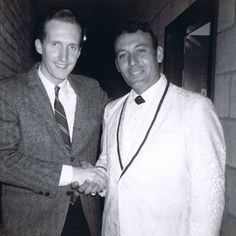 George Hamilton IV & Carl Perkins (Backstage 1960s) Country Singers, Country Music, George Hamilton Iv, Honky Tonk, Blue Suede Shoes, Hillbilly, Great Stories, Kinds Of Music, Music Stuff