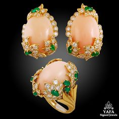 Yafa Signed Jewels specializes in Vintage Signed Jewelry pieces with such names as Cartier,HW,VCA. David Webb, Coral Jewelry, Emerald Earrings, Jewelries, Vintage Signs, Bag Accessories, Bling, Diamond, Colombia