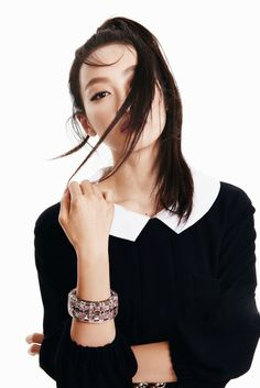 F(x) Victoria for OK Magazine Song Qian, Victoria Song, Krystal, Korean Girl Groups, Asian Beauty, Asian Girl, Idol, Bell Sleeve Top, Celebrities