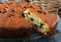Torta ricotta e cioccolato, soffice, ideale per la prima colazione, ricetta facile e veloce, senza burro aromatizzata al limone.
