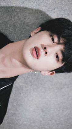 I wonder how much time did God took to make this world wide handsome 💜💜 - BTS - Photopraphy Jimin, Bts Jin, Bts Taehyung, Bts Bangtan Boy, Jungkook Smile, Jungkook Funny, Seokjin, Namjoon, Hoseok