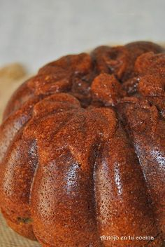Bizcocho de calabaza y pepitas de chocolate - Pumpkin and chocolate chips bundt cake Pumpkin Recipes, Cake Recipes, Pound Cake, Baked Potato, Treats, Baking, Sweet, Ethnic Recipes, Desserts