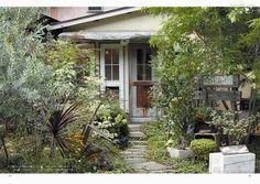 ガーデン&ガーデンで、 庭をセンスアップするちょっしたアイディアを 紹介するコラムを担当していただいている ガーデンスタイリスト川本諭さんの本