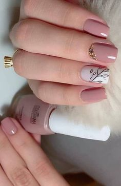 44 Stylish Manicure Ideas for 2019 Manicure: How to Do It Yourself at Home! Part 13 44 Stylish Manicure Ideas for 2019 Manicure: How to Do It Yourself at Home! Part manicure ideas; manicure ideas for short nails; Fall Nail Art Designs, Beautiful Nail Designs, Beautiful Nail Art, Diy Pedicure, Pedicure At Home, Manicure Ideas, Gel Nail Polish Colors, Nail Colors, Glitter Nails