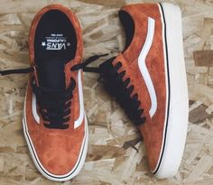 VANS OLD SKOOL REISSUE CA Vans are of course perfect for those of us who like a bit of an urban vibe in our fashion, and no skater worth anything has never had a pair of Vans. Vans Sneakers, Tenis Vans, Mens Vans Shoes, Sneakers Mode, Sneakers Fashion, Fashion Shoes, Converse, Vans Men, New Shoes