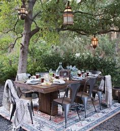 6 Ways to Create Your Dream Patio (On a Budget!) - Now is the time to start thinking about what you want your outdoor entertaining space to look like this spring and to start sourcing the goods to pull it all together in time for BBQ season! Outdoor Rooms, Outdoor Tables, Outdoor Gardens, Outdoor Decor, Industrial Outdoor Dining Chairs, Outdoor Living Spaces, Outdoor Lighting, Garden Deco, Patio Interior