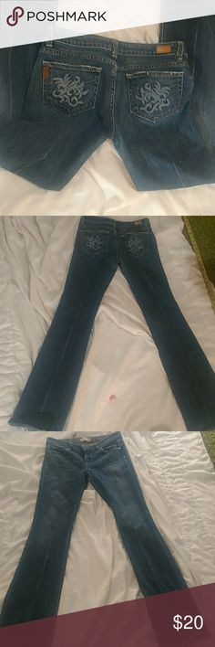 Paige jeans Design. Pockets 98% cotton 2% spandex Paige premium denim Lori Cannon great condition just too small 28 waist 34 length does have one belt buckle Loop need sewing in the back PAIGE Jeans