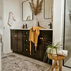 Machine Washable Rugs (@ruggable) • Instagram photos and videos Machine Washable Rugs, Room Rugs, Entryway Bench, Videos, Photos, Furniture, Instagram, Home Decor, Bedroom Rugs