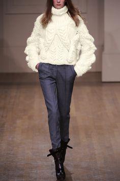 Julien Macdonald Hand-knitted Aran wool sweater3