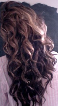 Wish my hair would be wavy like this :(