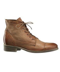 Skoringen forhandler nå nyeste stiler av B&CO sko Combat Boots, Pumps, Fashion, Moda, Fashion Styles, Combat Boot, Court Shoes, Pump, Fasion