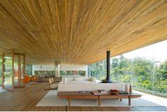 Gêneses, casa em São Paulo, Brasil. Retrato da boa arquitetura brasileira.
