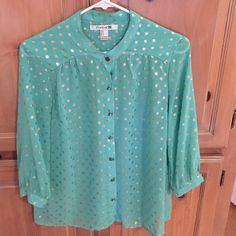 Forever 21 Green Gold Blouse Top Lightweight semi sheer 3/4 sleeves beautiful green blouse with sparkly gold polka dots. Forever 21 Tops Blouses