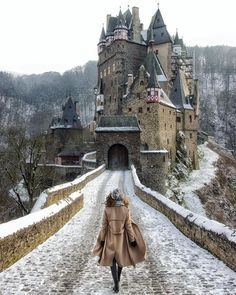 30 fairytale-like places in Germany, which are all really .- 30 märchenhafte Orte in Deutschland, die wirklich alle echt sind 30 fairytale places in Germany, which are really all real - Places To Travel, Places To See, Travel Destinations, Europa Tour, Nature Landscape, Destination Voyage, Insta Photo, Germany Travel, Land Scape