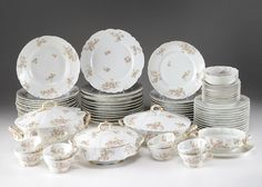 Collection%20of%20Haviland%20Limoges%20Dinnerware%20and%20Serving%20Pieces