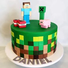 Minecraft Cake Toppers, Bolo Minecraft, Minecraft Cupcakes, Minecraft Birthday Cake, 7th Birthday, Birthday Ideas, Kid Cupcakes, Cupcake Cakes, Creeper Cake
