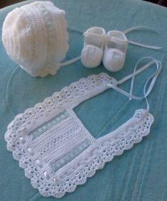 Baby Blessing Shoes, Baptism Shoes, Christening Shoes, Boy – Baby For look here Crochet Baby Bibs, Crochet Baby Clothes, Love Crochet, Crochet For Kids, Baby Blanket Crochet, Beautiful Crochet, Hand Crochet, Crochet Stitches, Crochet Hats