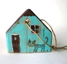 Blue cat little house.