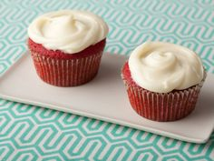 For a sweet Southern classic, bake Paula Deen's Red Velvet Cupcakes with Cream Cheese Frosting from Food Network. Frosting Recipes, Cupcake Recipes, Cupcake Cakes, Dessert Recipes, Cupcake Icing, Gourmet Cupcakes, Icing Recipe, Party Recipes, Cup Cakes