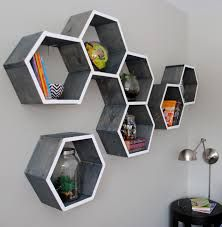 {DIY Tutorial} How-To Make Wood Honeycomb Shelves. Why spend hundreds, when you can make them yourself! These shelves complete the look of the room. So many great projects in this kids room makeover. Cool Shelves, Wall Shelves Design, Wall Mounted Shelves, Storage Shelves, Retail Shelving, Hanging Shelves, Honeycomb Shelves, Hexagon Shelves, Decorative Shelves