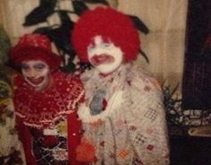 "Serial killer John Wayne Gacy dressed as his alter ego, ""Pogo the Clown."" Crime and Punishment (@TrueCrimeHub) | Twitter"
