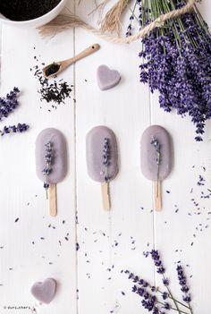 Vegan lavender earl-grey ice // Veganes Rezeüt Lavendel-Earl-Grey Eis am Stiel
