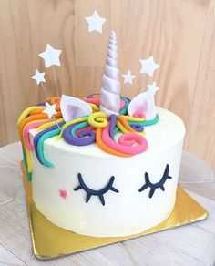 Order Unicorn Party Cake from Wish A Cupcake for someone's birthday or anniversary. Send Unicorn Party Cake as a gift anywhere in India as same day or midnight delivery. Unicorn Cake Design, Diy Unicorn Cake, Unicorn Cupcakes, Unicorn Rainbow Cake, Unicorn Cale, Diy Unicorn Party, Unicorn Emoji, Rainbow Cupcakes, Bolo Diy