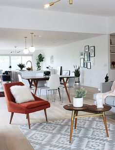10 Superb Accent Chairs For Small Living Rooms / living room chairs, accent chairs, living room desin #smallspaces #livingroomchairs #modernchairs  For more inspiration, visit: http://modernchairs.eu/superb-accent-chairs-small-living-rooms/