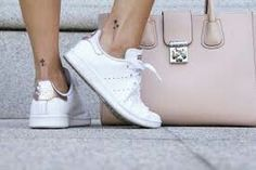 premium selection 13e5f 4f8a8 Gold And White Outfit, Gold Outfit, Stan Smith Outfit, Sneakers Fashion,  Fashion
