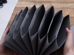 Mini Albums Scrap, Mini Scrapbook Albums, Diy Paper, Paper Art, Paper Crafts, Envelope Book, Accordion Book, Folder Design, Wie Macht Man