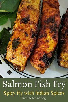 Salmon Curry, Spicy Salmon, Fried Salmon, Fish Curry, Fried Fish, Poached Fish Recipes, Salmon Recipes, Seafood Recipes, Indian Food Recipes
