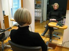 Absolutely gorgeous freshly shorn bobcut. Beautiful colour!