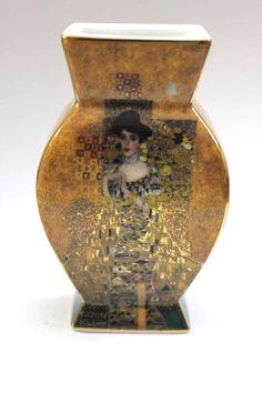 Porzellan Vase der Marke Gobel Guter gebrauchter Zustand Abmessung ca. H=8 cm